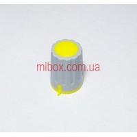 Ручка для переменного резистора R-04 серая/желтая (D=15мм H=21мм), с указателем